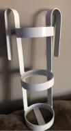 Single oxygen cylinder bed mounted hand held bracket